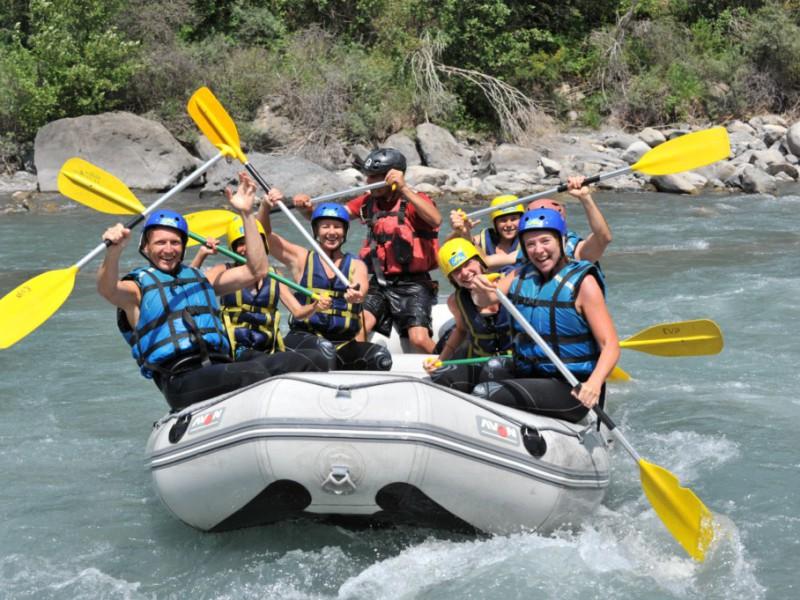 rafting et raft pour enterrement de vie de garcon avec evp ubaye