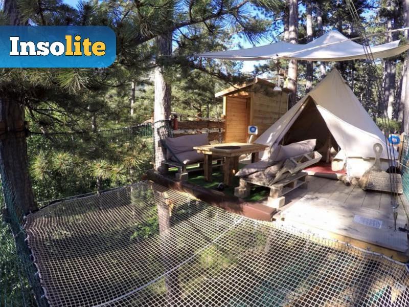 photo exterieur du jungle lodge hebergement du week end rafting ou canyoning en ubaye