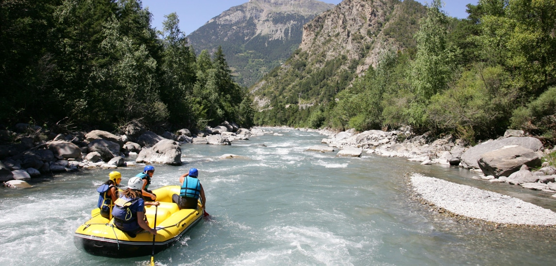 rafting dans les rapides de la machine à laver de l'Ubaye rivière des Alpes du Sud