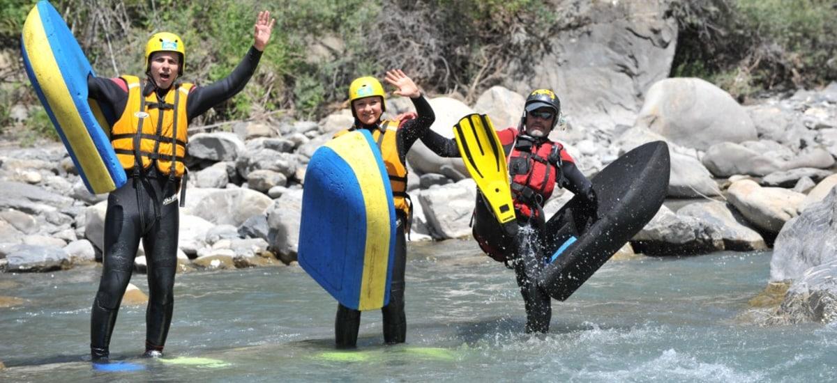 célébration lors d'une descente en hydrospeed de l'Ubaye
